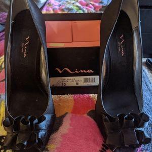 Black Ruffled Stilleto Heels